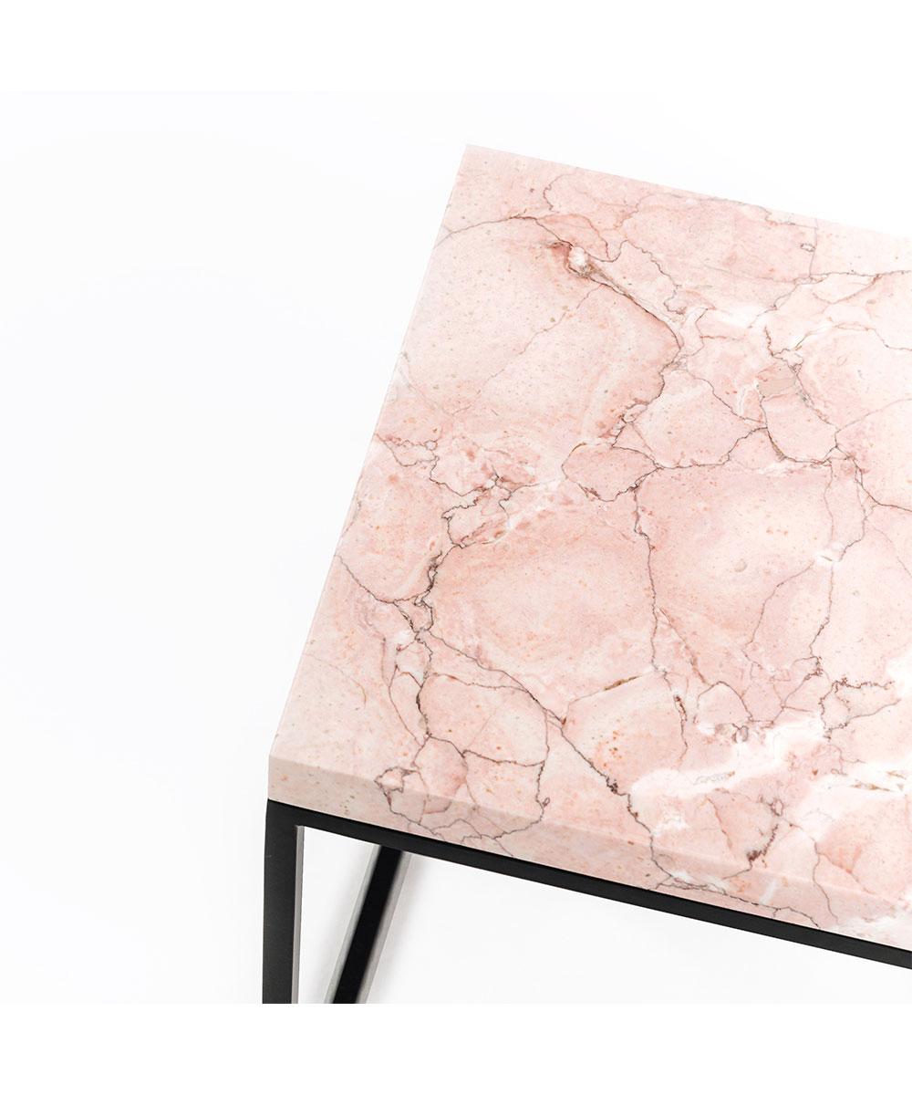 Vivid-Gallery-Uncommon-Rosa