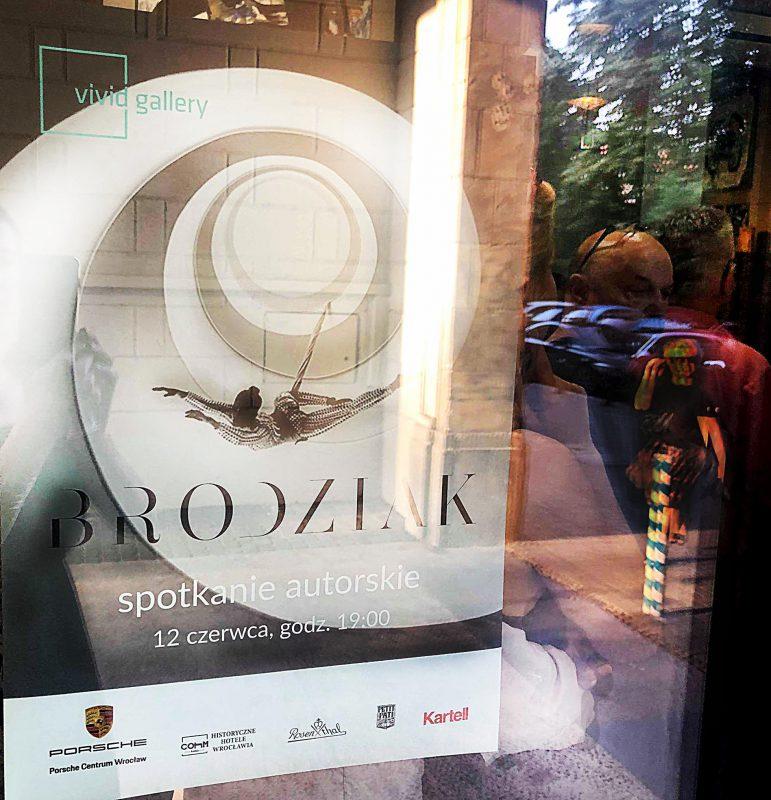 Vivid-Gallery-Szymon-Brodziak-Spotkanie-autorskie-17