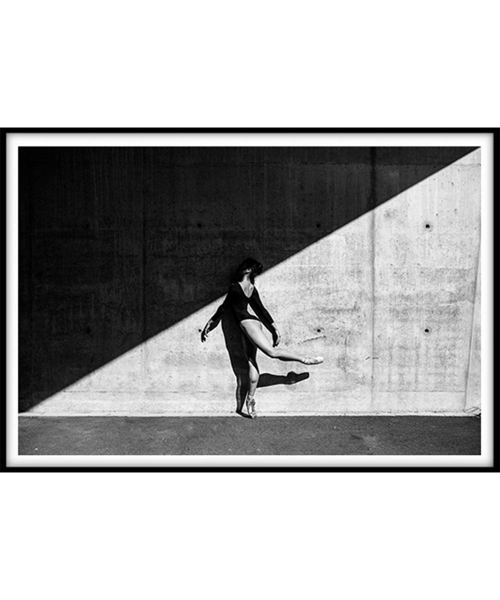 Vivid-Gallery-Marek-Wojciak-Sherly-shadow