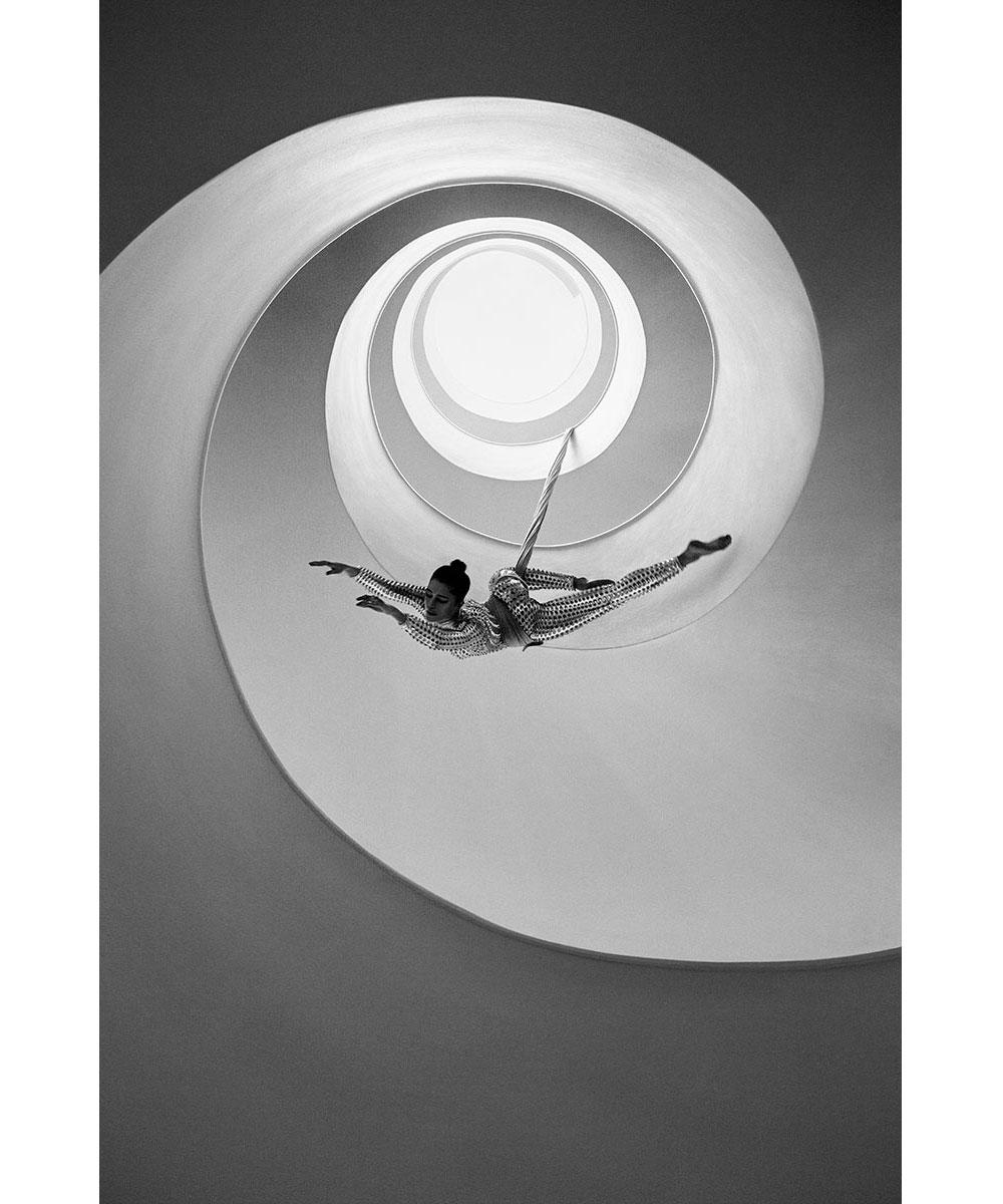 Vivid-Gallery-Szymon-Brodziak-Loop-#1